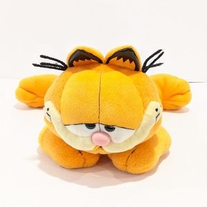 Ty Garfield cat laying plush 2006